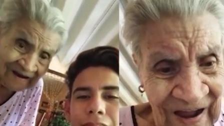 火龙果传媒 第一季 男子教奶奶用智能手机 老人惊奇表情爆红