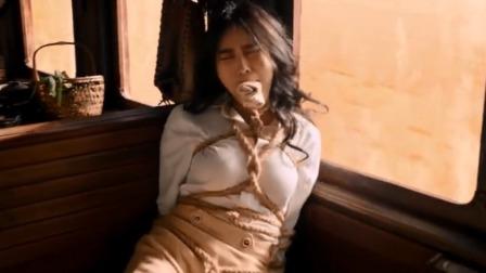 日本女子来这里嚣张,最后五花大绑,还有这么多男的监视你