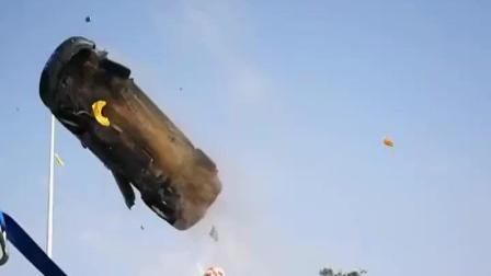 拍戏现场的空中飞车画面, 这些都是真家伙, 既危险又刺激