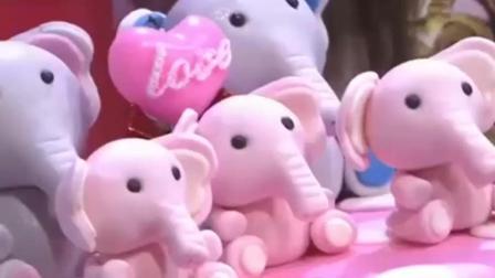 林志玲突袭节目现场 送小S生日蛋糕 瞬间就成为全场焦点!