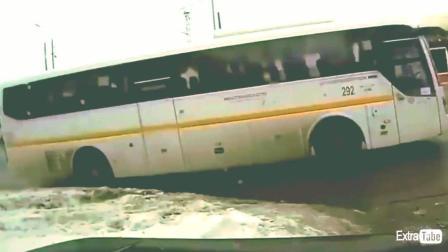 客车汽车交通事故合集, 出行一定要注意安全, 生就在一瞬间