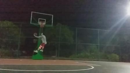 突破上篮怎样就不会被盖帽! 云风篮球