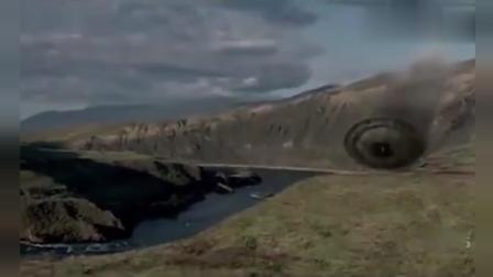 美国中情局残杀在UFO逃生的外星人 超清(720P)
