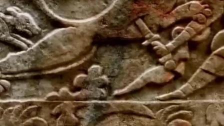老汉一锹铲挖出汉白玉石棺材 专家闻讯赶至发掘竟是外国人的古墓!