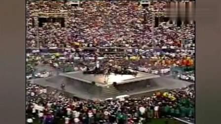 迈克尔杰克逊1993年超级碗表演, 总统都被震撼了!