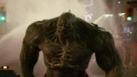 真绿巨人成为另一个绿巨人的沙包, 连愤怒后的力量都打不赢它