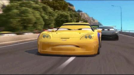 赛车总动员: 赛车在比赛时, 有人搞破坏, 多辆赛车撞在一起!