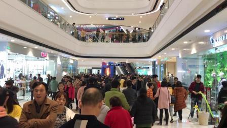 许昌万达广场开业第一天, 现场人山人海, 人气爆棚 像过大年一样!