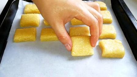 低筋面粉别只用来烤蛋糕, 试试这样做一次, 香酥美味, 一口一个
