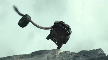 石油事故放出地底生物, 小伙用他们制作怪兽卡车! 4分钟看神片!