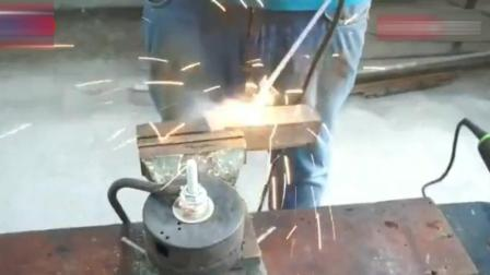 牛人脑洞大开自制新的焊接工具, 创意简直让人佩服