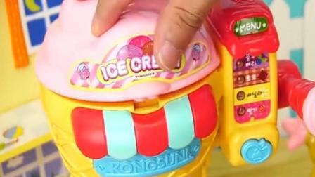 小猪佩奇的冰淇淋机迪士尼玩具, 迫不及待想吃美味的雪糕啦