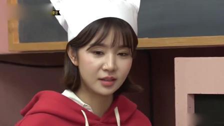 曹璐参加韩国美食比赛做中国鸡汤, 主持人喝了称赞不错好喝!