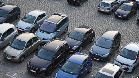 年轻人没有钱的时候最好别买车, 特别是分期付款买车