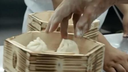 广式点心的叉烧包看似简单, 实际上就连一个加温, 你都得学好久