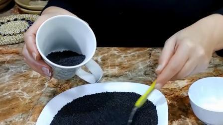 常常吃黑芝麻, 究竟有什么作用? 今天可算知道了
