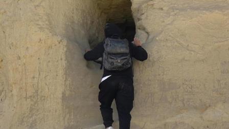 """神秘的古格王朝遗址有个""""藏尸洞"""", 走近一闻差点被熏吐了"""