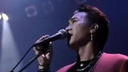 1988年黄家驹凭借这首金曲, 击败谭咏麟张国荣, 夺得年度金奖!