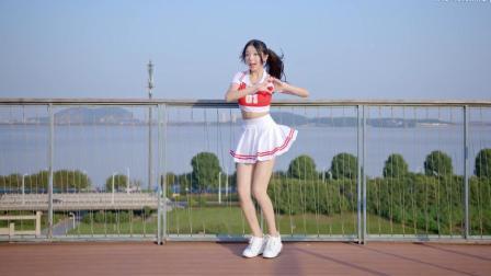 高颜值美女视频, 超短裙美女带你重回学生时代
