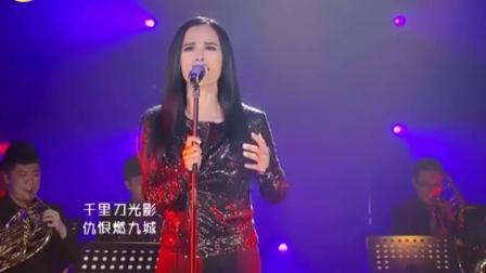韦唯在中国歌坛地位无人比拟, 现场一开嗓霸气十足