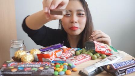 小姐姐吃巧克力大餐, 吃得太香太过瘾, 网友: 看得口水直流很满足