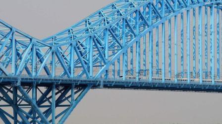 复兴号跨越京沪高铁南京大胜关长江大桥, 桥上会车十分大气!