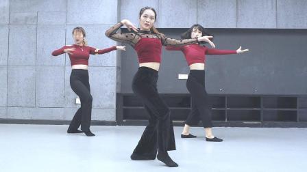 笑眼小姐姐阳阳 柔美控制型舞蹈