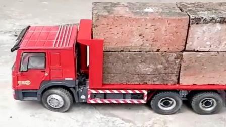 玩具车: 大货车拉太重了, 结果轮胎都跑掉了