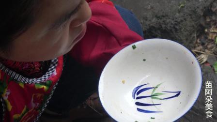 苗大姐五花肉炒大白菜, 热乎乎的米饭配着吃, 猛吃猛吃
