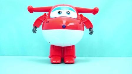 玩乐三分钟: 超级飞侠 遥控版乐迪玩具变形机器人