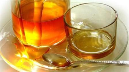 蜂蜜水应该早上还是晚上喝? 原来一直喝错了, 难怪效果不明显