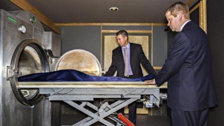 在殡仪馆工作的员工, 一个月工资有多少钱? 说出来你可能不信