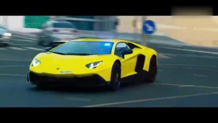 迪拜到底有多壕成龙电影这段追逐戏给你答案, 警车都是布加迪啊