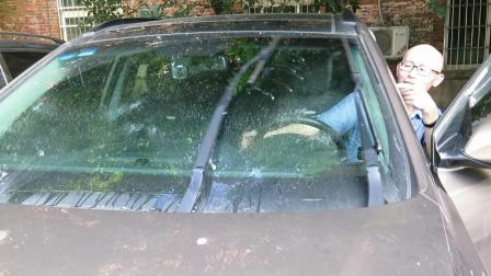 车子雨刮不喷水, 汽修店开价好几百, 老司机教你检修, 几毛钱解决