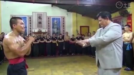 还有谁不服 六旬老翁太极拳打爆数十泰拳小伙