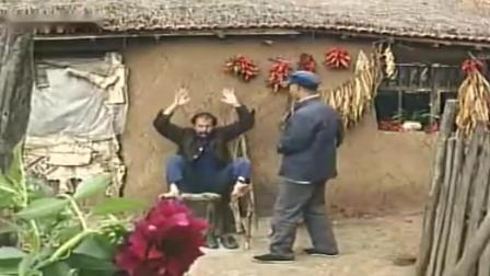 怪王外传: 花老白在自己家里装神弄鬼, 怪王过来捉弄他, 太搞笑了