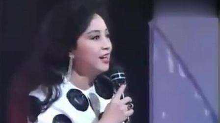 她一出场梅艳芳直接让舞台, 这样的她让人敬佩