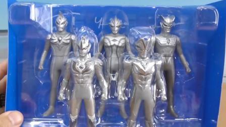 咦? 奥特曼们都是灰色的呢! 你能认出他们都是谁吗?
