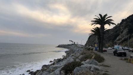 著名美国网红海岸景点圣莫尼卡, 夜晚人潮汹涌