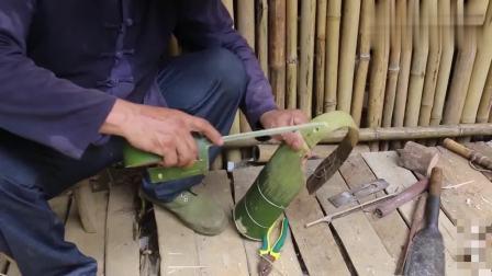 乡村老爷爷用一根竹子造小三轮车, 小孙子玩嗨了