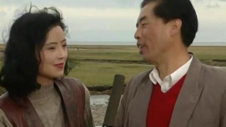 养父贩卖珍贵黄鱼,男孩趁着记者来采访他,故意让小贩把鱼全送来