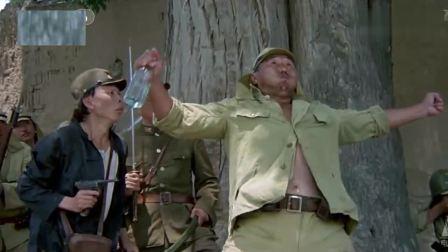 一个鞭炮和两个小孩儿搞出来的事, 那个日本人被整的太惨了