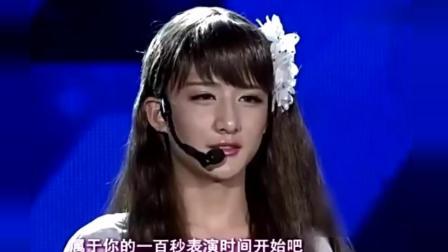 小伙反串美女台上飙歌《爱的供养》, 气势不输杨幂, 评委直呼: 漂亮!