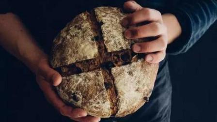 Big大世界 第一季 日本网红面包店卖丑面包年入1个亿