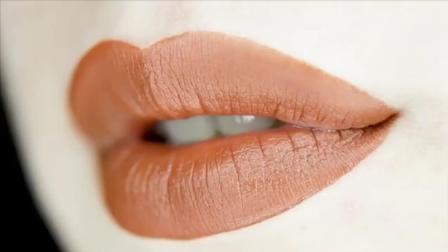 化妆达人教你口红的三种创意涂法, 不会的快来学习了!