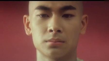 看了好几遍赵文卓经典电影《青蛇》才明白开头是佛教对人的定义