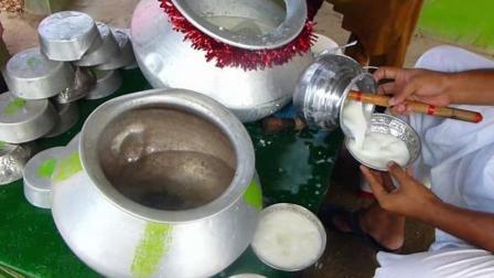 印度自制酸奶风行街头, 纯手工制作风味独特, 想不想来一杯?