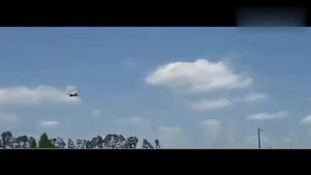 震惊: 又有航班遭遇UFO, 情况紧急请看视频