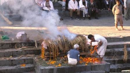 现在都流行火葬, 几千年后还怎么考古? 历史会不