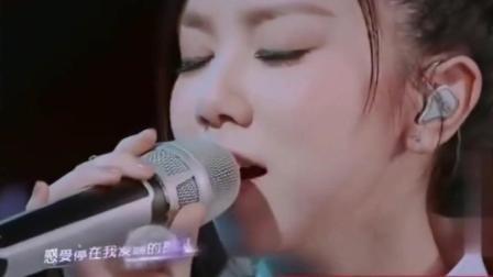 《我想和你唱》: 邓紫棋这首《光年之外》秒杀抖音上所有网红, 谁不服